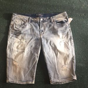 Silver Bermuda shorts size 22